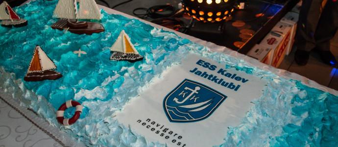 Kalev Jahtklubi 2014 hooaja lõpetamine_lõpupeo uhke tort Reval Cafe-lt - foto Meisi Volt (Postimees)