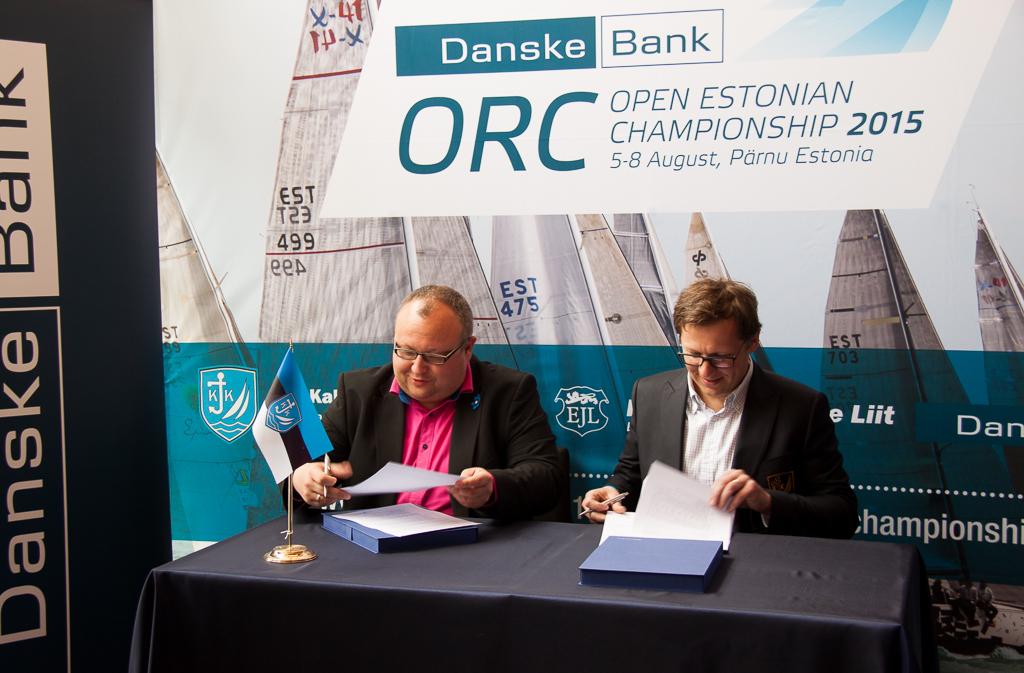 Danske Banki ettevõtete panganduse direktor Tõnu Vanajuur ja ESS Kalev Jahtklubi  klubiülem Indrek Ilves - foto: Piret Salmistu